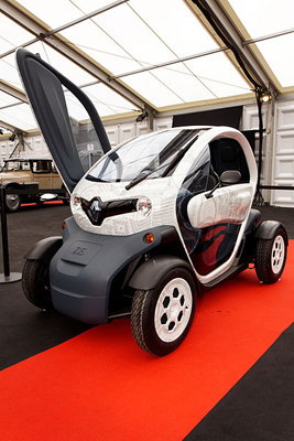 renault twizy mini stromer f r die stadt. Black Bedroom Furniture Sets. Home Design Ideas